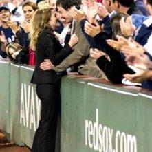 Drew Barrymore bacia Jimmy Fallon in L'amore in gioco