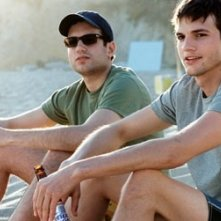 Ty Giordano e Ashton Kutcher in Sballati d'amore