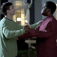Ashton Kutcher e Bernie Mac nel film Indovina Chi