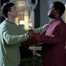 Ashton Kutcher e Bernie Mac nel film Indovina Chi