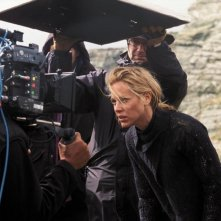 Maria Bello sul set di The Dark