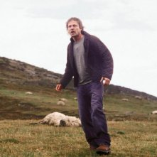 L'attore Sean Bean in una scena di The Dark