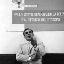 Gian Maria Volontè in una scena del film Indagine su un cittadino al di sopra di ogni sospetto
