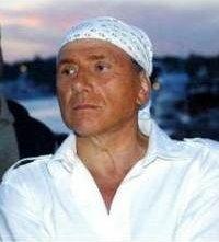 Silvio Berlusconi con la bandana