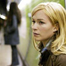Franka Potente in una scena di Creep (2004)