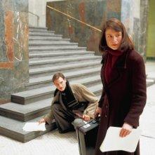 Fabian Hinrichs e Julia Jentsch in una scena di Sophie Scholl, la rosa bianca
