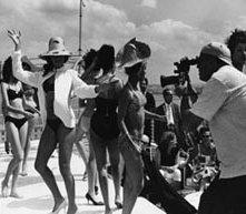 Una scena di Soy Cuba, il mammuth siberiano