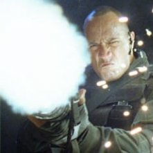 The Rock in una scena del film Doom