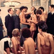 Una scena di Salò o le 120 giornate di Sodoma