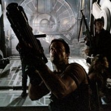 Adam Baldwin e Natan Fillon in Serenity