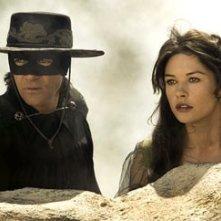 Antonio Banderas accanto a Catherine Zeta-Jones nel film The Legend of Zorro
