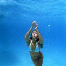 Jessica Alba in una sequenza di Trappola in fondo al mare