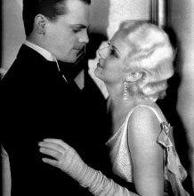 Jean Harlow e James Cagney in una scena di Nemico Pubblico