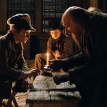 Barney Clark e Ben Kingsley in Oliver Twist