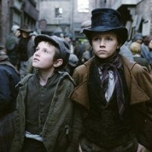 Barney Clark e Harry Eden in Oliver Twist