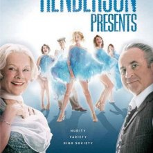 La locandina di Lady Henderson presenta