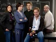 Una foto di gruppo del cast di ReGenesis