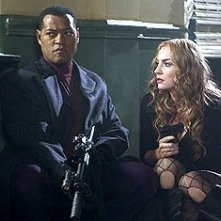 Laurence Fishburne e Drea de Matteo in Assault on Precint 13