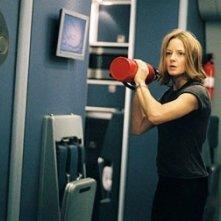 Jodie Foster in una sequenza di Flightplan