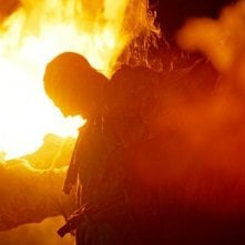 Fuoco e fiamme in una scena dell'horror Hills Have Eyes