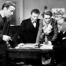Bogart, Lorre, Greenstreet e la Astor in Il mistero del falco