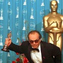 Jack Nicholson con il suo Oscar