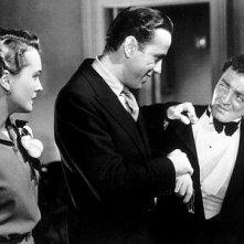 Mary Astor, Peter Lorre e Humphrey Bogart ne Il mistero del falco
