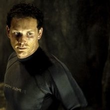 Cole Hauser in una scena de Il nascondiglio del diavolo