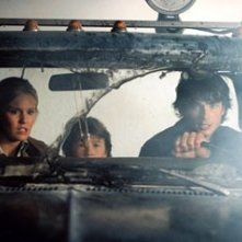 Maggie Grace, Cole Heppell e Tom Welling in una scena di The Fog