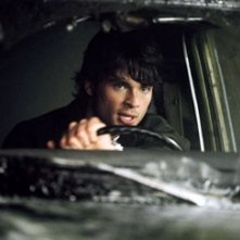 Tom Welling in una scena di The Fog