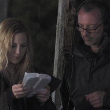 Kate Hudson e Iain Softley sul set di The Skeleton Key