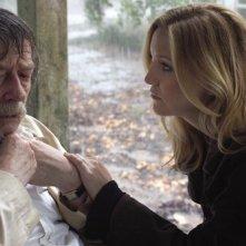 Kate Hudson e John Hurt in The Skeleton Key