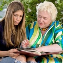 Jennifer Aniston e Kathy Bates in Vizi di famiglia - Rumor Has It