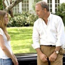 Jennifer Aniston con Kevin Costner in Vizi di famiglia - Rumor Has It