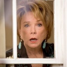 Shirley MacLaine nel film Vizi di famiglia - Rumor Has It