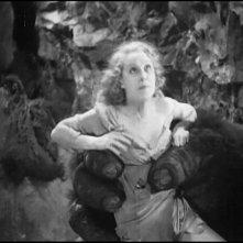La diva Fay Wray in una scena di KING KONG