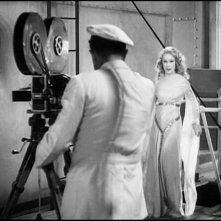 Robert Armstrong e Fay Wray in una scena di KING KONG