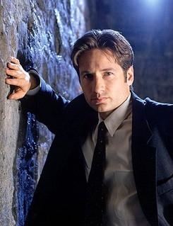 David Duchovny nei panni dell'agente Fox Mulder di X-Files