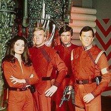 foto promozionale della serie tv V-Visitors