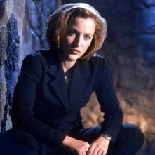 Gillian Anderson nei panni dell'agente Dana Scully di X-Files