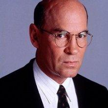 Mitch Pileggi nei panni del direttore Skinner di X-Files