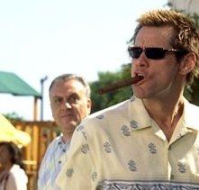 Jim Carrey in un'immagine tratta dal film Dick & Jane Operazione Furto