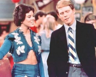 Ron Howard ed Erin Moran in una scena di Happy Days