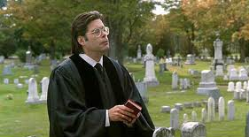 Stephen King in una scena di Pet Sematary
