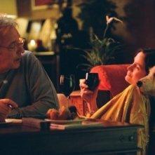 Alan Rickman e Carrie-Anne Moss in una scena di Snow Cake