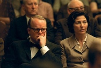 Philip Seymour Hoffman e Catherine Keener in Capote