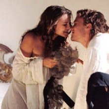 Sienna Miller e Heath Ledger in Casanova