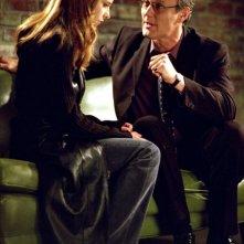 Sarah Michelle Gellar e Anthony Head in una scena di Buffy