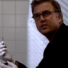 William L. Petersen in una scena di CSI