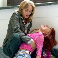 Valeria Golino in una scena drammatica de La guerra di Mario
